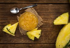 Neue gemachte Ananas-Marmelade Stockfotografie