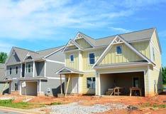 Neue Häuser im Bau Stockfotografie