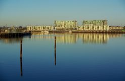 Neue Hafen-Wohnungen Stockfotos
