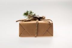 neue Ideen, das Haus zu verzieren dieses Weihnachten Ð- Geschenk in der Verpackung Lizenzfreies Stockfoto