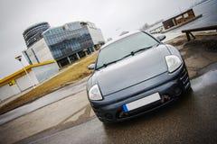 Neue importierte Autos im Hafen Stockbilder