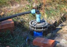 Neue installierte Wasser-Bohrung lizenzfreies stockfoto