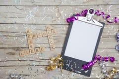 Neue Jahre Beschlüsse-auf hölzernem Hintergrund Lizenzfreies Stockbild
