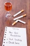 Neue Jahre der Beschlüsse, beendigtes Rauchen, trinken weniger Alkohol Stockfotos