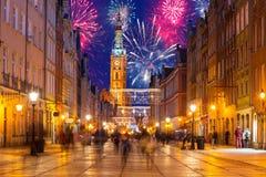 Neue Jahre Feuerwerksanzeige in Gdansk Stockfotos