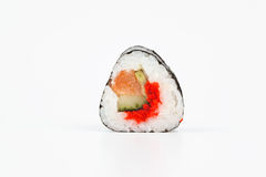 Neue japanische Sushirollen auf einem weißen Hintergrund Lizenzfreies Stockfoto