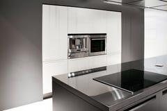 Neue Küche lizenzfreie stockbilder