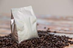 Neue Kaffeefolientasche Stockfotografie