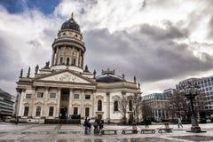 Neue Kirche i Berlin Arkivfoton