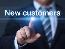 Neue Kunden, die Marketing-Geschäfts-Internet-Technologie-Konzept annoncieren stockfoto