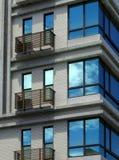 Neue moderne Stadtwohnung lizenzfreie stockfotografie