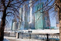 Neue Moskau-Stadtgebäude im Winter lizenzfreies stockbild