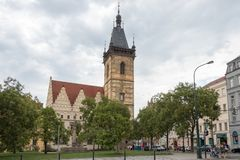 Neue Rathaus in Prag stockbild