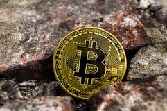 Neue Schlüsselwährungs-, bitcoin- und Computergebühr finanzieren Karte Stockfotografie