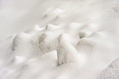 Neue Schneedecke am Winter Lizenzfreies Stockfoto