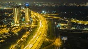 Neue städtische der Zeitspanne mit den Landhäusern, errichtend entlang Saigon-Fluss, handeln Entwicklung stock video footage