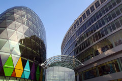 Neue Stadtarchitektur lizenzfreies stockbild