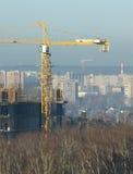 Neue Stadtgebäude der Turmkran-Konstrukte Lizenzfreie Stockfotografie