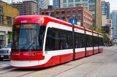 Neue Straßenbahnen Torontos Stockfotografie