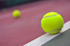 Neue Tenniskugeln Stockfoto