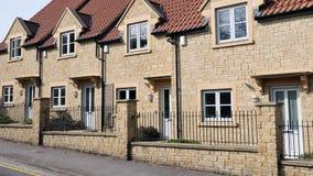 Neue terassenförmig angelegte Häuser Lizenzfreies Stockbild