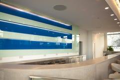 Neue Terminalvorhalle Stockbilder