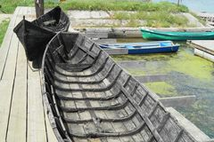 Neue und alte Boote Lizenzfreie Stockfotos