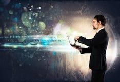 Neue Verbindungen mit Technologie lizenzfreies stockfoto