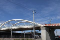 Neue weiße Brücke lizenzfreies stockbild