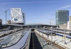Neuer Bahnhof Utrecht gesehen vom Steg Stockbild