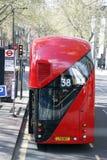 Neuer Bus für London Stockbilder