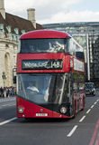 Neuer Bus für London Stockfotos