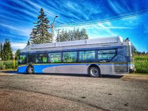 Neuer Durchfahrtbus Flieger Xcelsior CNG lizenzfreies stockbild