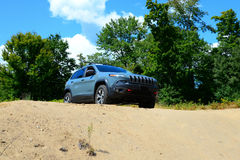 Neuer Jeep Cherokee TrailHawk 4x4 Stockfotos