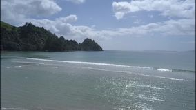 Neuer Kumpel-Strand in der Coromandel-Halbinsel, Neuseeland stock footage