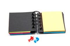 Neuer Notizblock des leeren Papiers auf einem Weiß Lizenzfreies Stockfoto