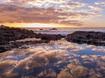 Neuer Plymouth-Küstenvorland-Sonnenuntergang - Taranaki, Neuseeland lizenzfreies stockbild