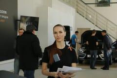 Neuer russischer Auto Lada-RÖNTGENSTRAHL, der am 14. Februar 2016 im Ausstellungsraum Severavto gesandt wurde Lizenzfreie Stockfotos