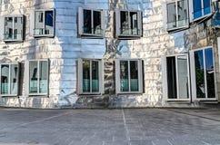 Neuer Zollhof, Duesseldorf, Tyskland Arkivfoton