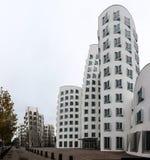 Neuer Zollhof i massmediahamn i Dusseldorf Royaltyfria Bilder