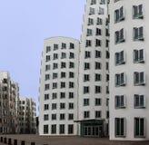 Neuer Zollhof i massmediahamn i Dusseldorf Royaltyfri Fotografi
