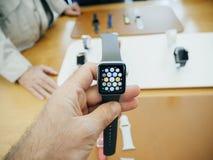 Neues Apple passen Hauptschirm-Apfeluhr der Reihe 3 auf Lizenzfreie Stockfotografie
