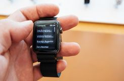 Neues Apple passen Skalazahltelefonnummer-Kontakt-APP der Reihe 3 auf Stockfotografie