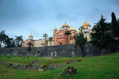 Neues Athos in Abchasien an einem bewölkten Tag stockbild