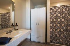 Neues Badezimmer gestalten um Stockfotografie