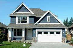 Neues Haus-Blau-Haus Stockbilder