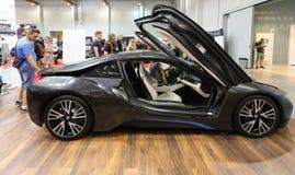 Neues elektrisches Automobil BMWs i8 angezeigt an der 3. Ausgabe von MOTO-ZEIGUNG in Krakau polen Lizenzfreies Stockfoto