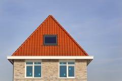 Neues errichtetes Haus in den Niederlanden lizenzfreies stockbild