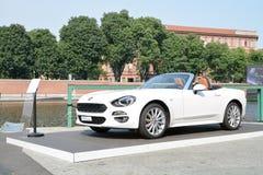 Neues Fiat 124 Spyder Lizenzfreie Stockfotos