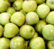Neues geschmackvolles grünes Apfel ` s ganz natürlich lizenzfreie stockfotografie